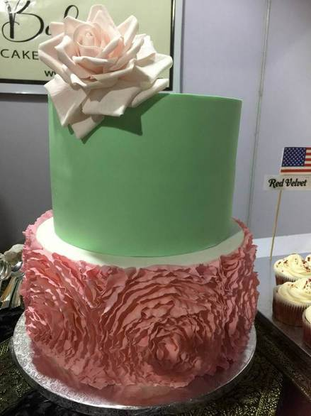 fondant cakes for girls hyderabad,ruffles wedding cakes hyderabad,fondant cakes hyderabad,fondant cakes for wedding hyd